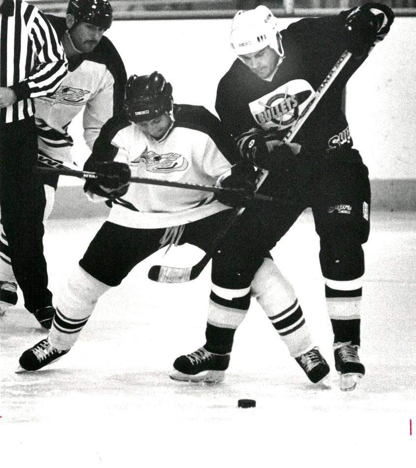 4388220_web1_Jax_-Bullets-hockey